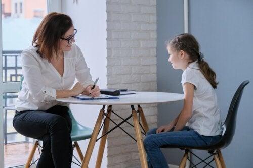 Enseña a tus hijos a normalizar la atención psicológica