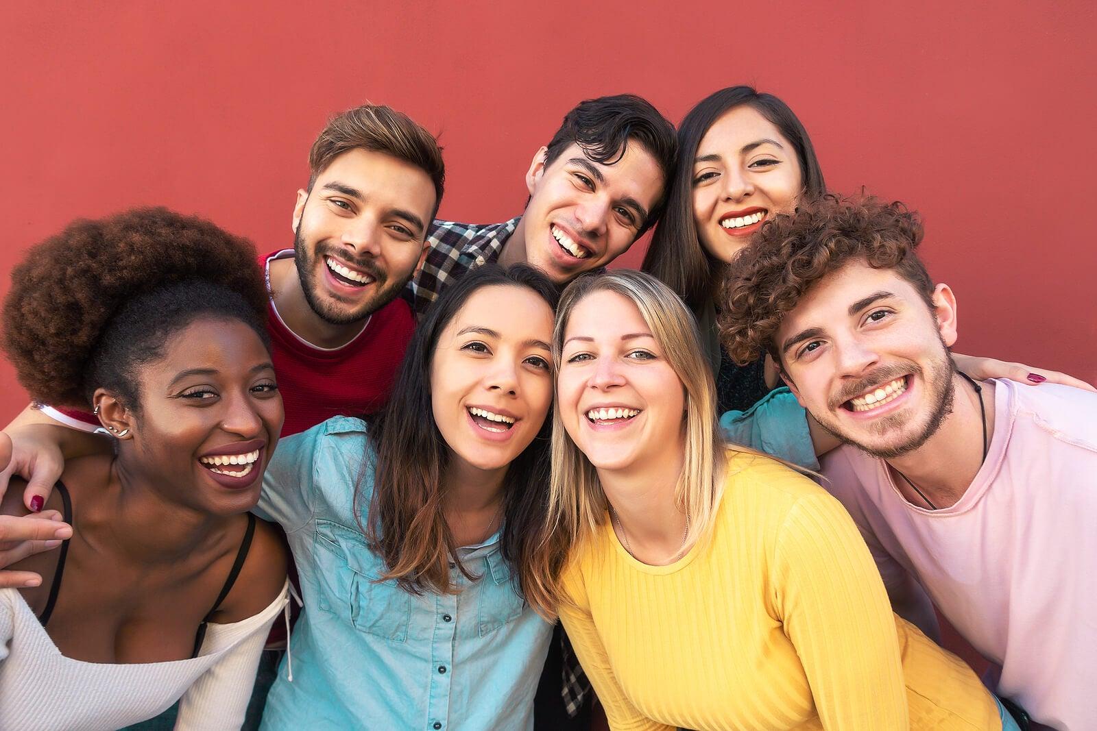 Grupo de amigos perteneciente a la generación Z.