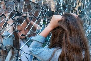 Esquizofrenia infantil: síntomas, causas y tratamiento