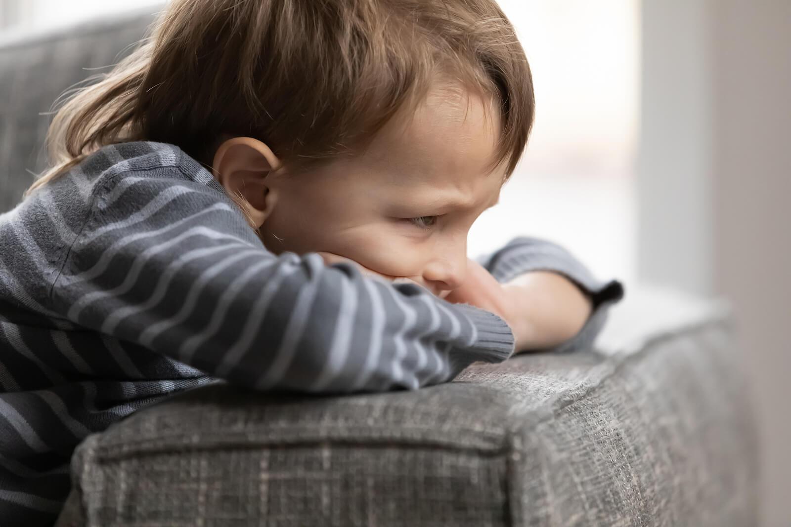 Las malas conductas de los niños que no debemos consentir han de tener sus consecuencias.