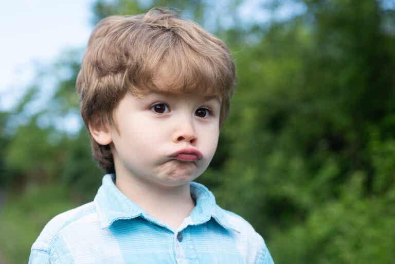 Inversión del hábito para tratar tics nerviosos en los niños