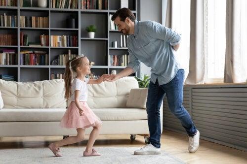 Juegos para enseñar buenos modales a los niños