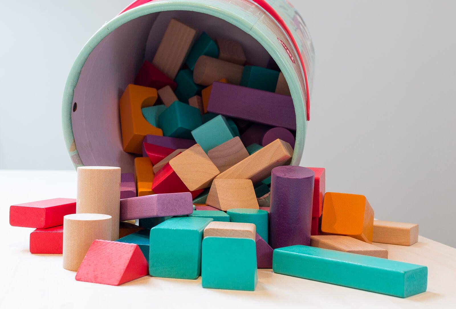 Piezas de madera, uno de los mejores juguetes ecológicos.