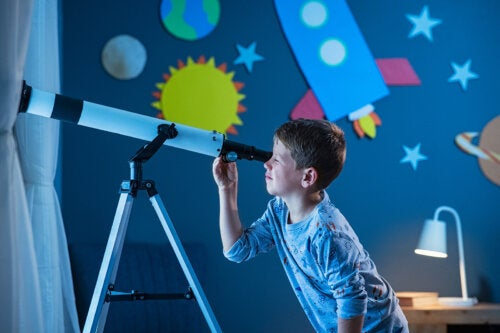 ¿Cómo construir un telescopio casero para niños?
