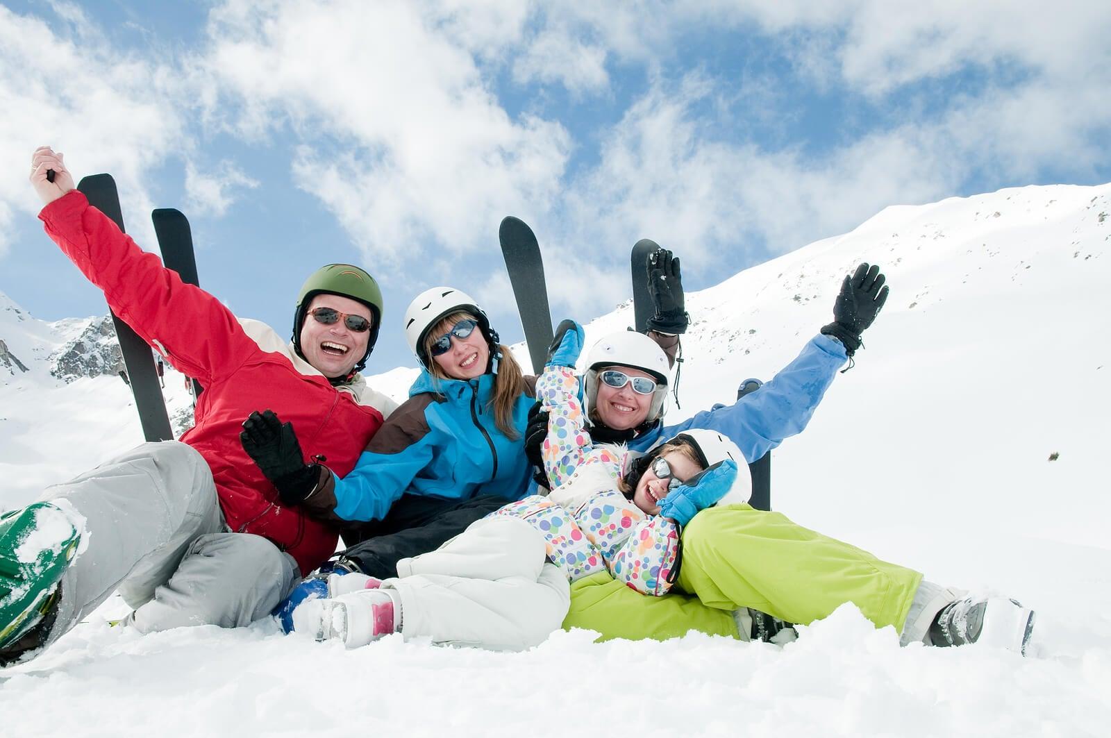 Familia en la nieve.