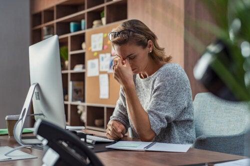 El síndrome de la mujer agotada