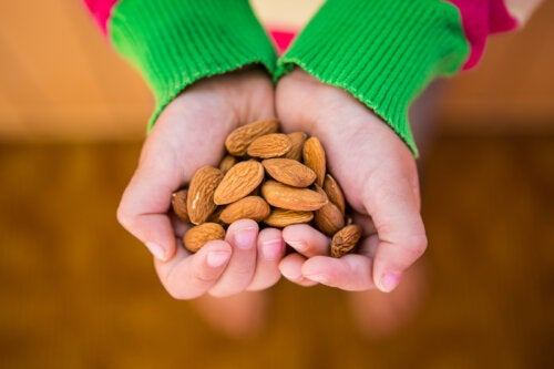 Beneficios de los frutos secos en los niños