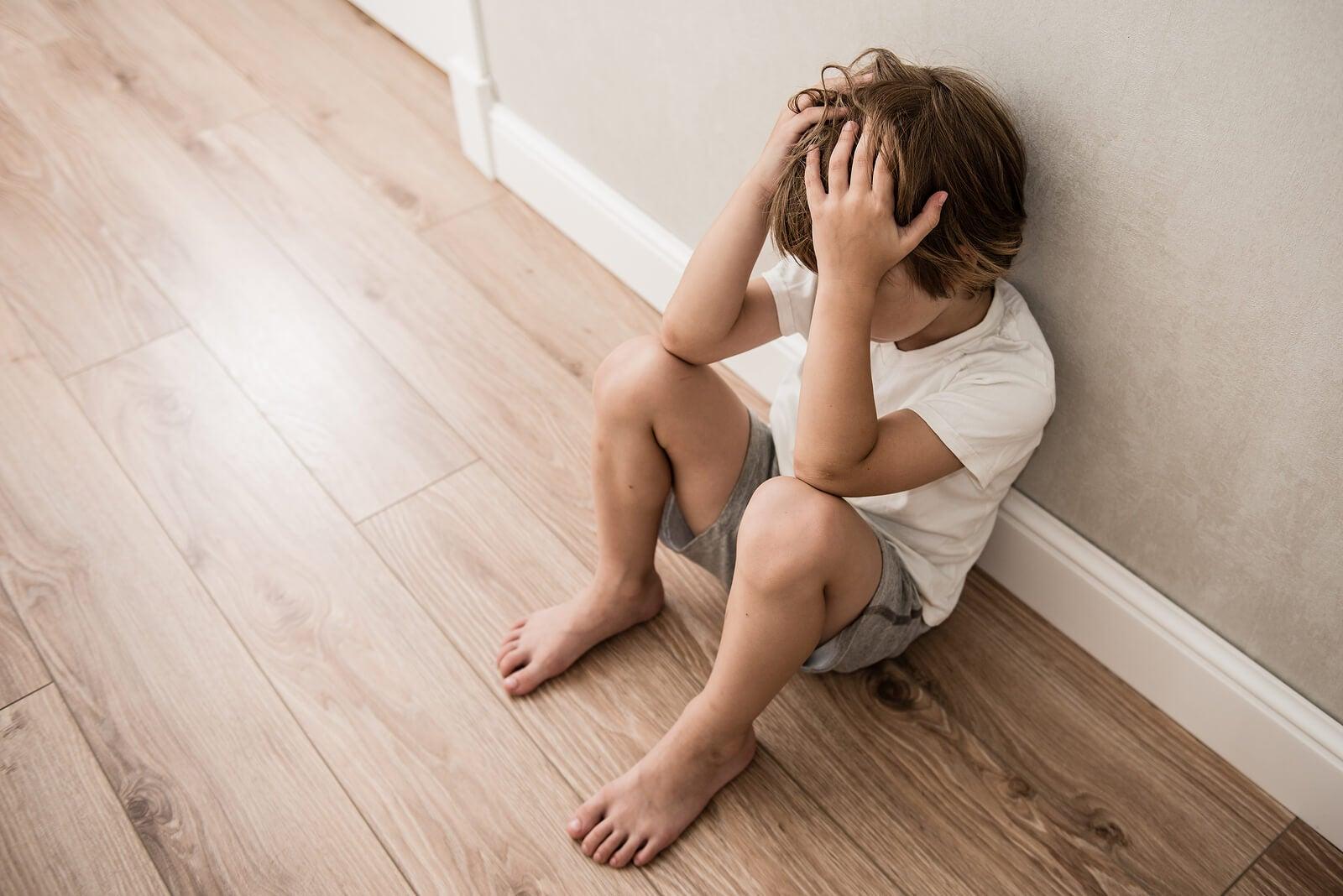 Cómo ayudar a un niño que sufre violencia familiar