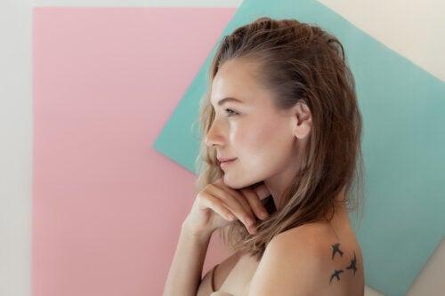 Cómo actuar si tu hijo adolescente quiere un piercing o un tatuaje