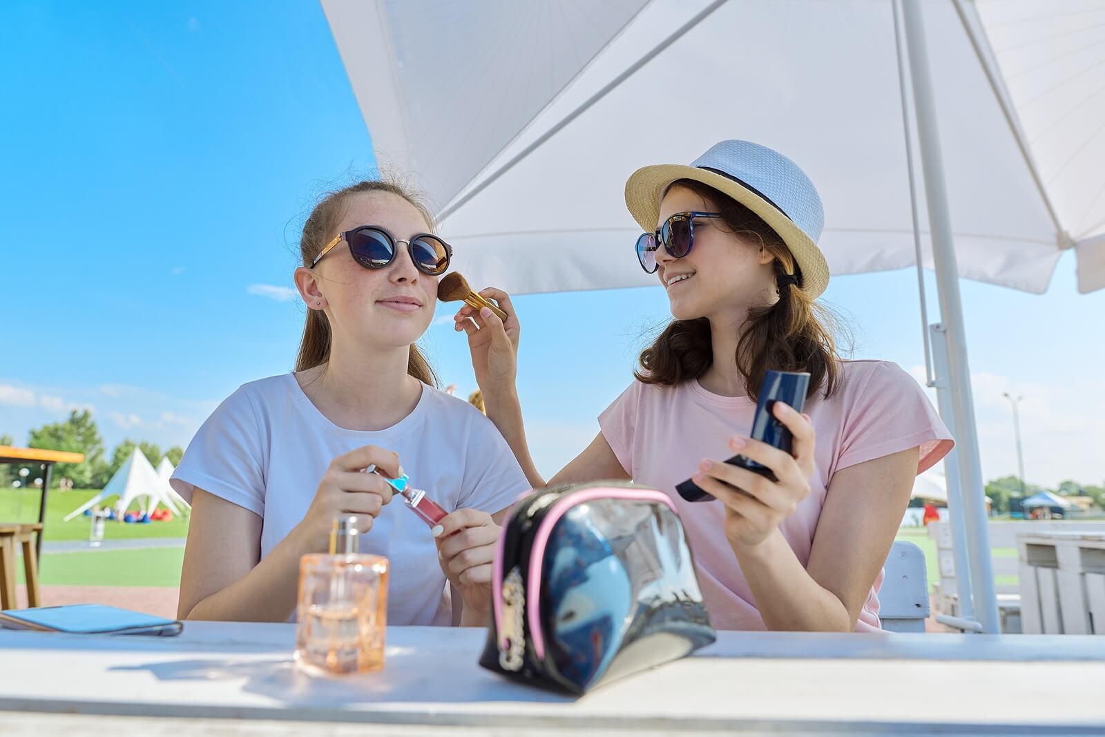 Adolescentes y maquillaje: 10 claves para cuidar la piel