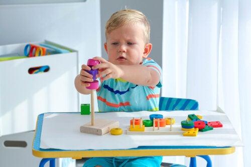 Los mejores juguetes Montessori para regalar a los niños