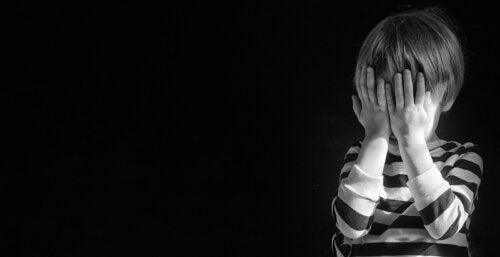 Señales que indican que un niño piensa en el suicidio