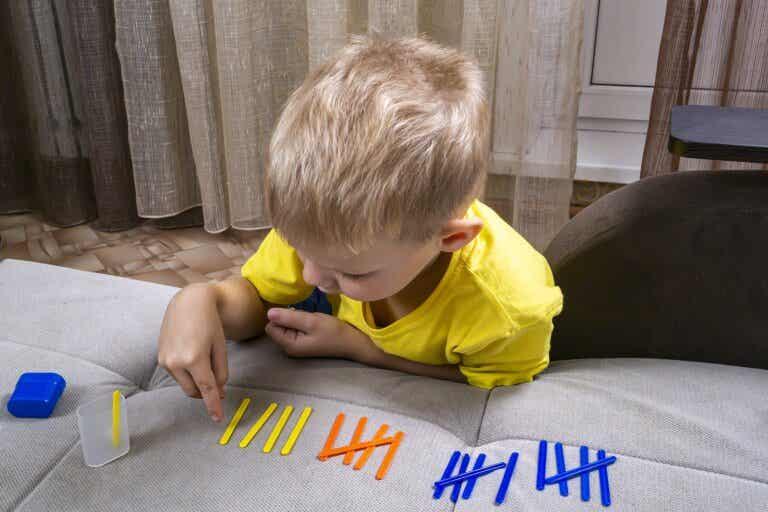 5 juegos para enseñar matemáticas con el método Montessori