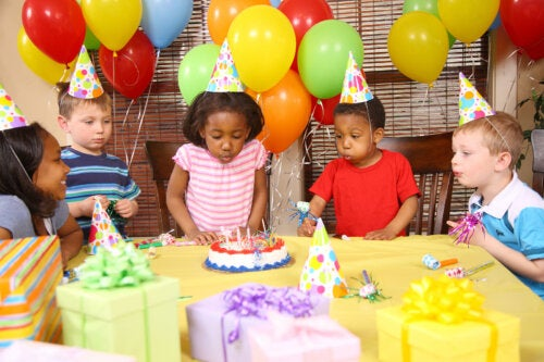 5 ventajas de celebrar el cumpleaños con sus compañeros de clase