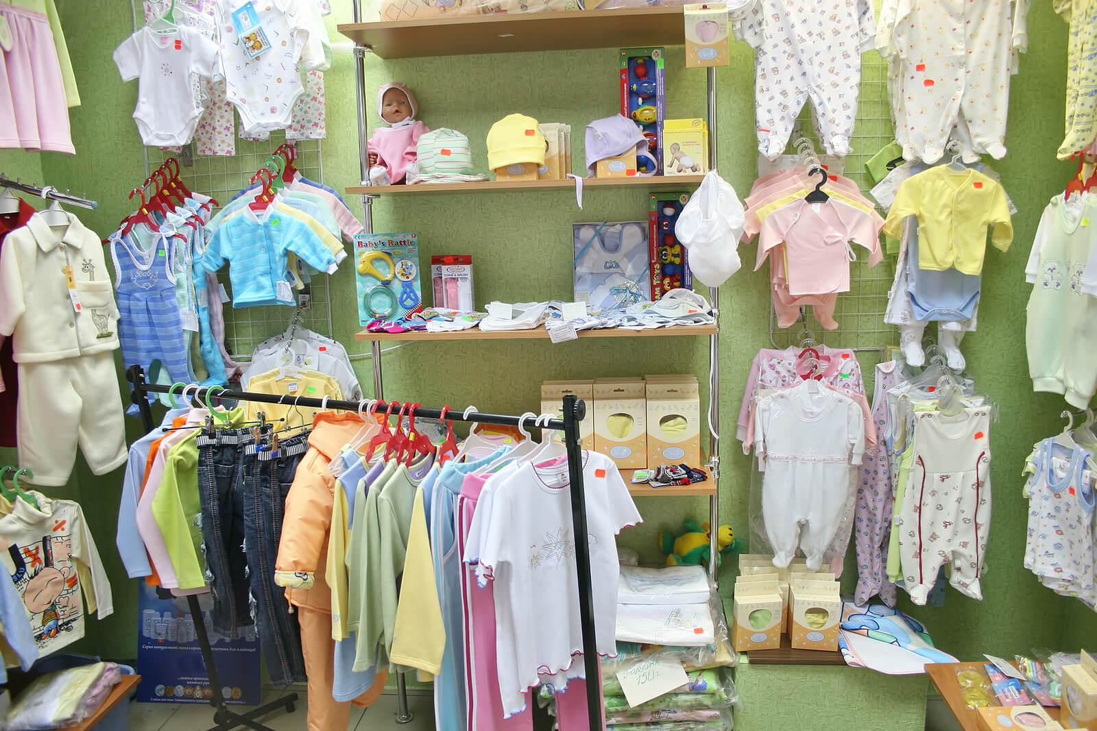 Tienda para comprar ropa al bebé.