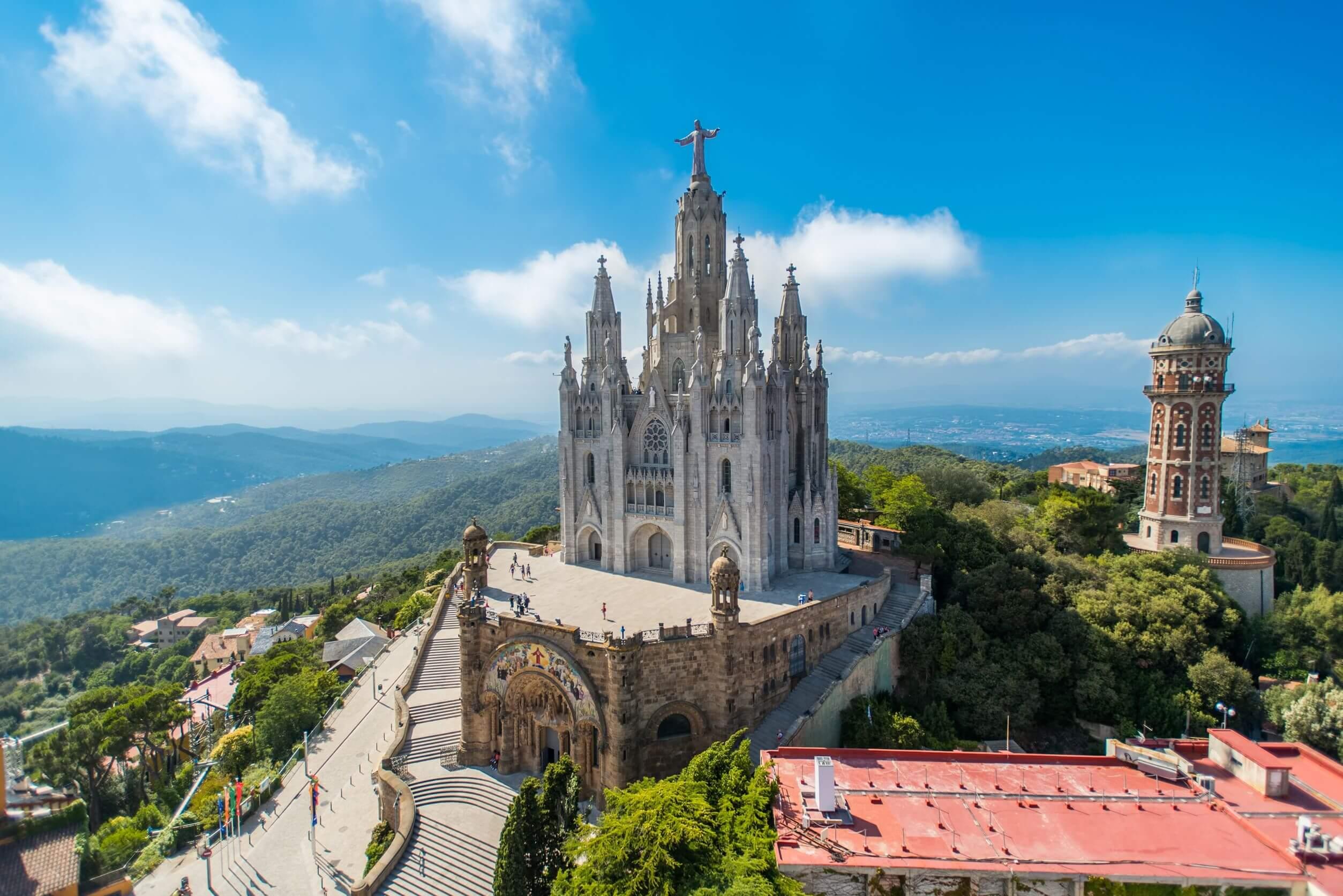 El Tibidabo, uno de los sitios de Barcelona ideales para ir con niños.