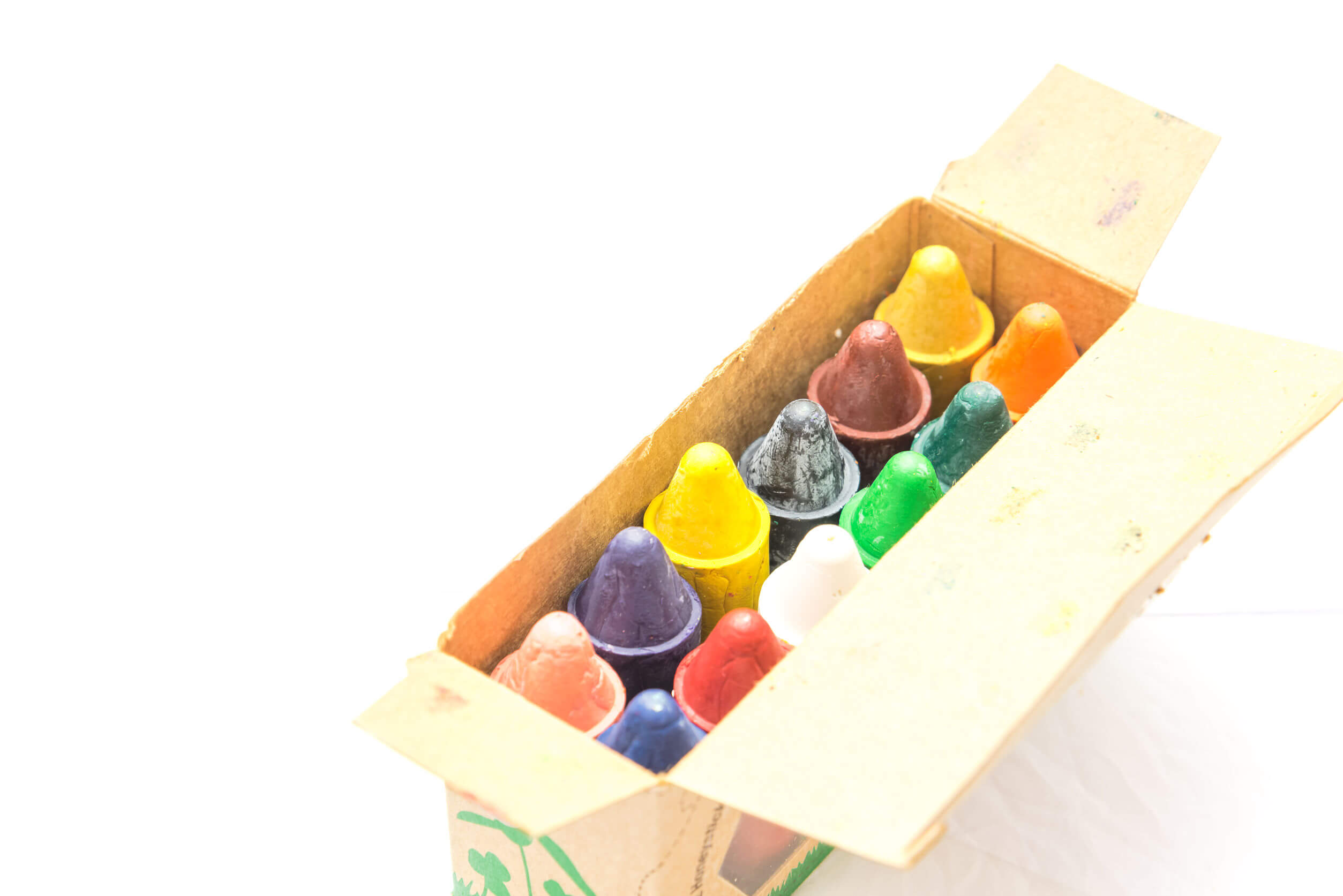 Pinturas hechas con cera de abejas, uno de los mejores juguetes ecológicos.