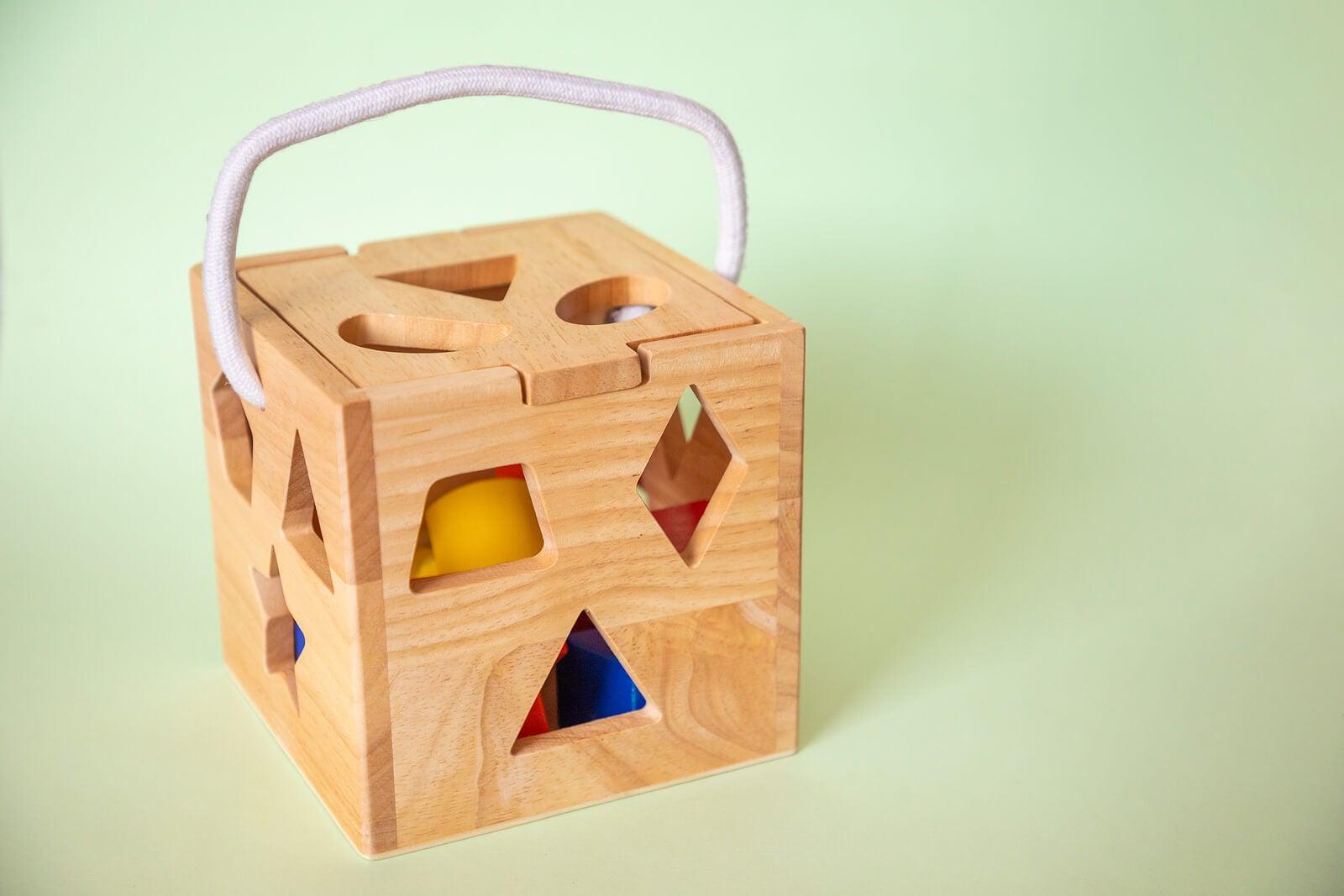 Cubo de madera ecológico.