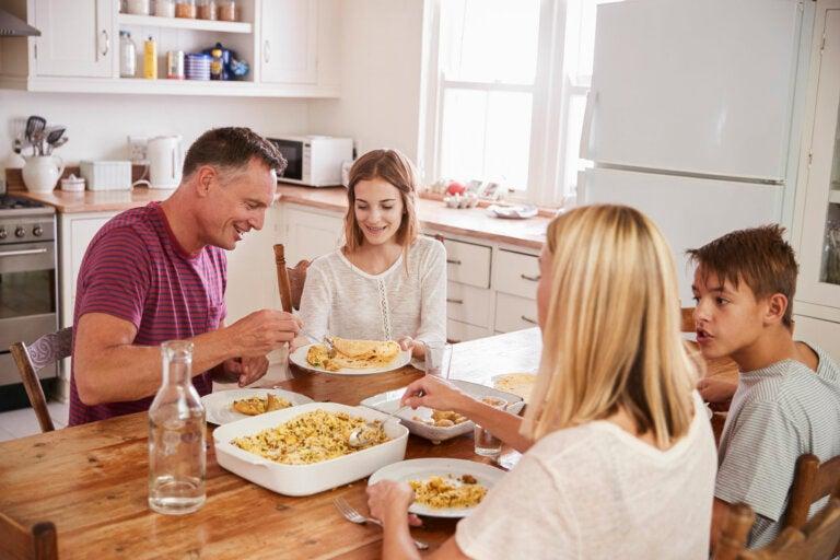 Importancia de comer saludable durante la adolescencia