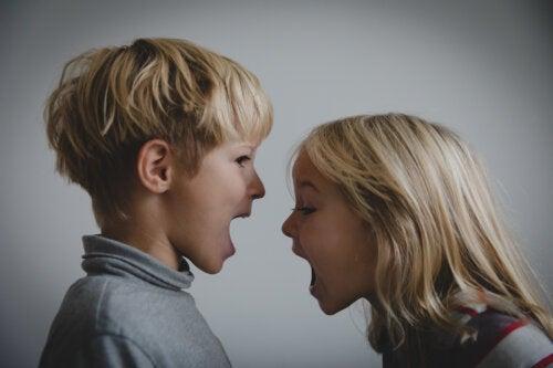 ¿Por qué no debes intervenir en los conflictos entre tu hijo y sus amigos?