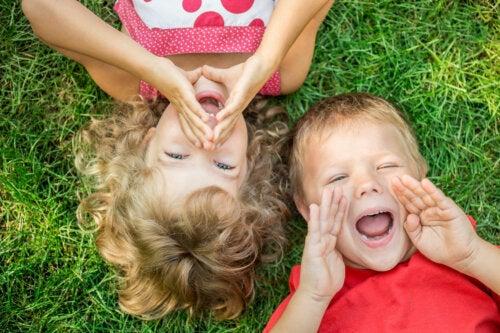 ¿Por qué algunos niños no paran de hablar?