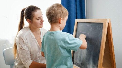 ¿Es recomendable que los niños tengan una pizarra en casa?