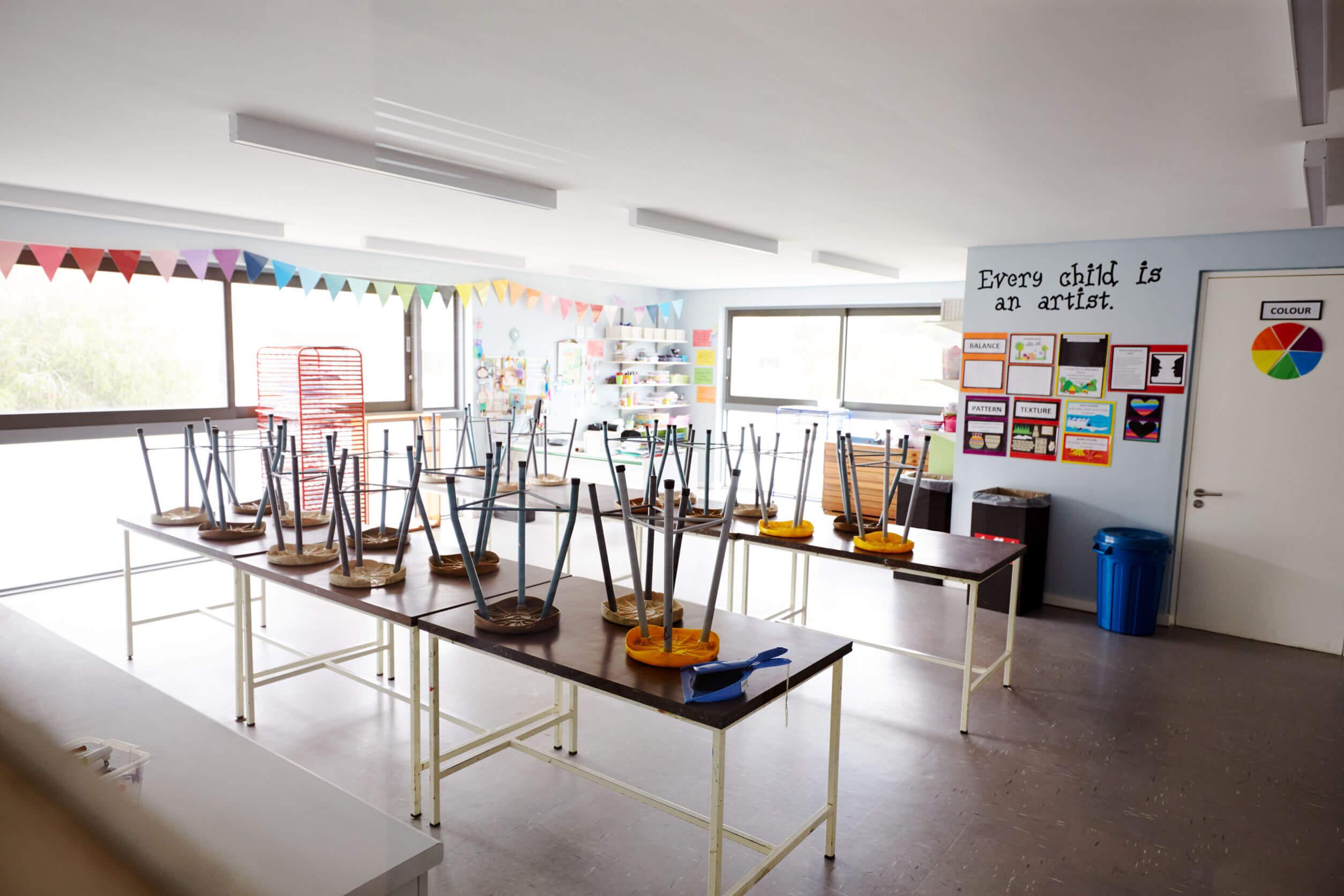 Aula vacía en un colegio.