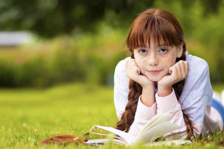 4 autores que harán que los adolescentes lean