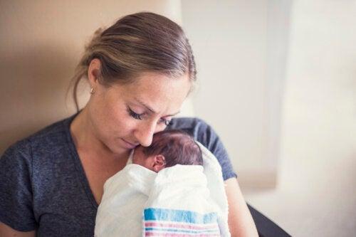 Apego en bebés prematuros: principales dificultades