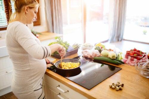 Marisco en el embarazo: riesgos y precauciones