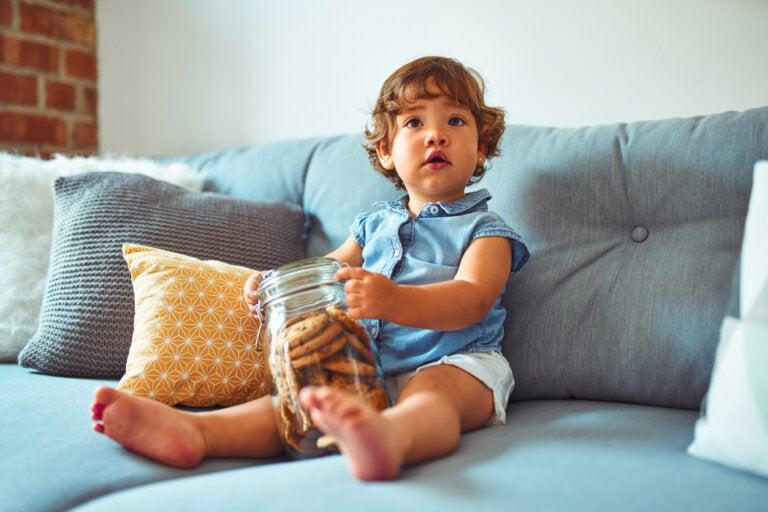 El fruit snack challenge: el reto viral para probar la paciencia en los niños