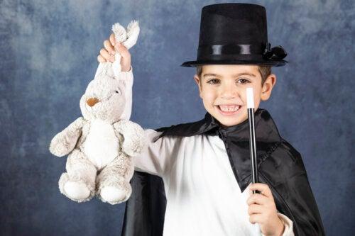 Juegos de magia para que los niños practiquen en casa
