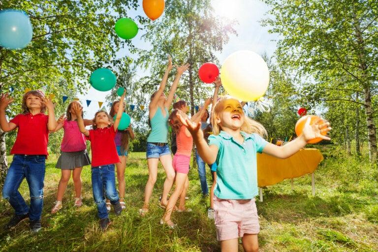 4 juegos de exterior para dinamizar fiestas infantiles