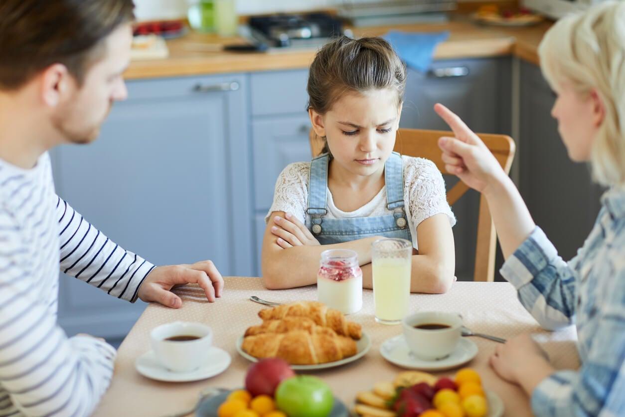 Guiar la conducta de los hijos es una de las claves de la buena crianza.