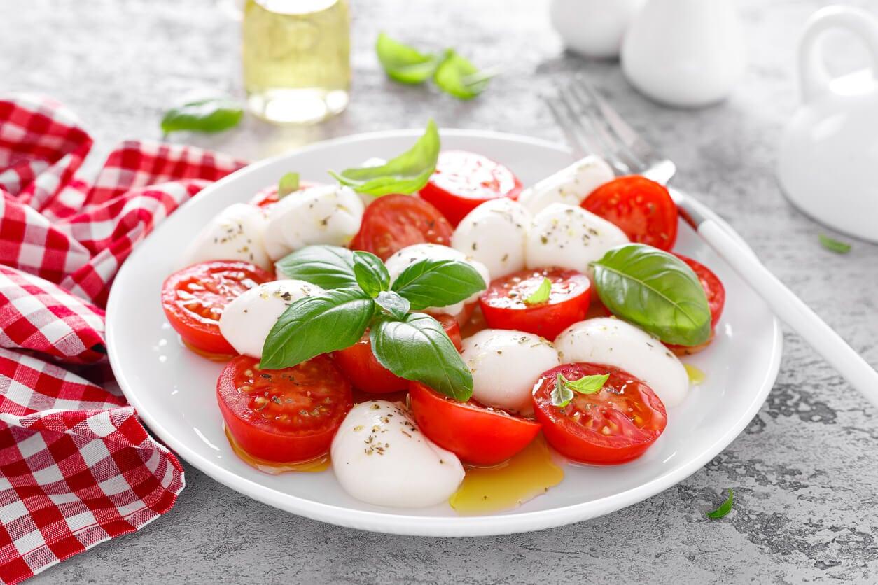 Ensalada de tomate y mozzarella.