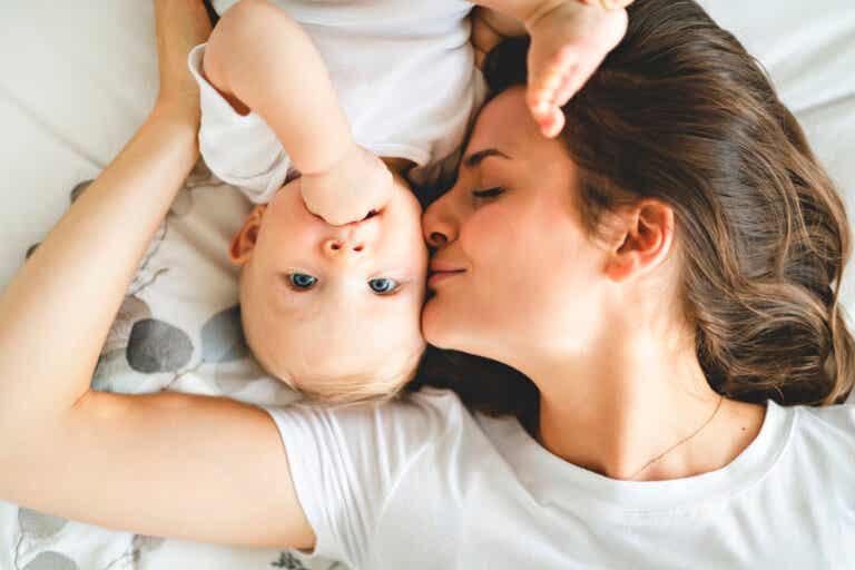 Cómo estimular las hormonas de la felicidad para disfrutar tu maternidad