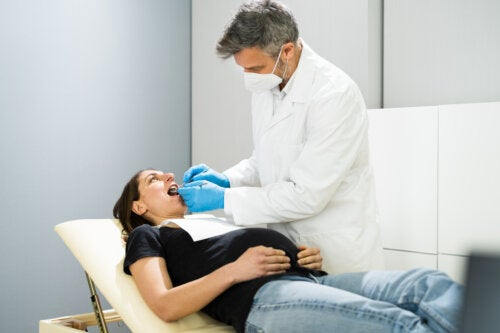 ¿Puedo hacerme empastes en los dientes durante el embarazo?