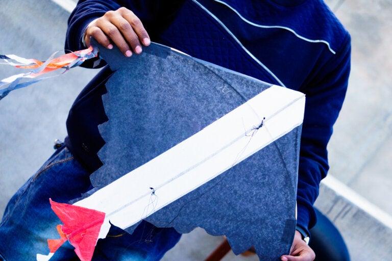 Cómo hacer una cometa casera para niños