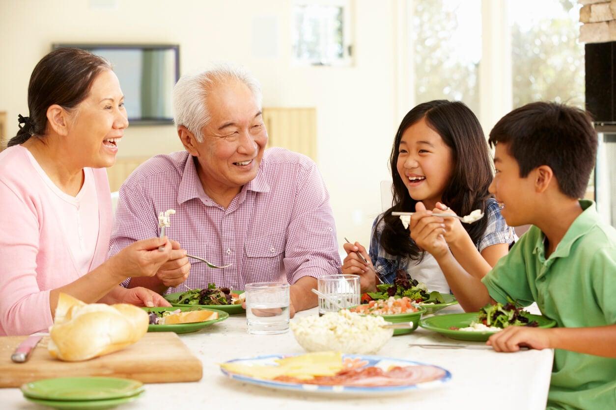 Alimentación infantil por etapas: todo lo que debes saber
