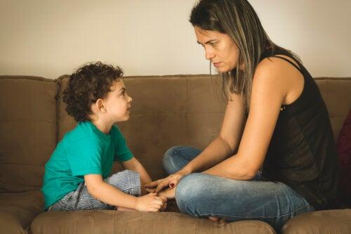 Cómo explicar a los niños que un familiar tiene cáncer