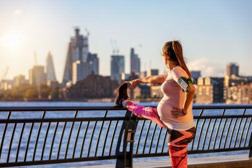 4 beneficios de hacer deporte en el embarazo