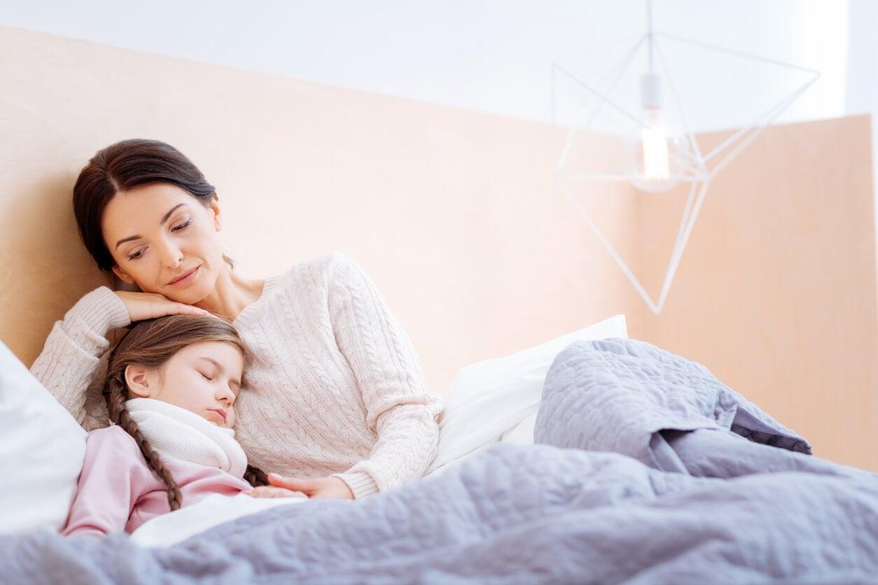 Madre acompañado a su hija con insuficiencia cardíaca.