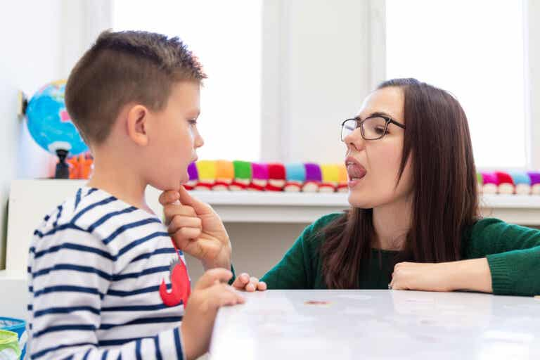 ¿Qué es la deglución atípica infantil?
