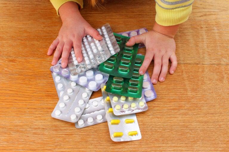 ¿Cómo actuar ante un envenenamiento en niños?