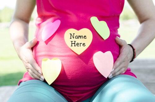 24 nombres de niña que empiezan por la letra Y