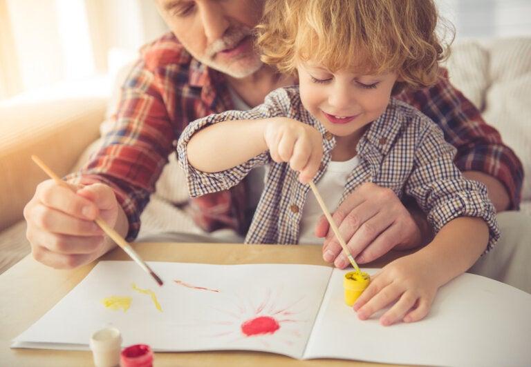 5 actividades creativas para niños con acuarela y pintura