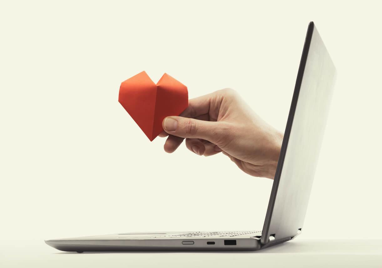 ordenador laptop internet aplicacion origami manualidad tiempo libre