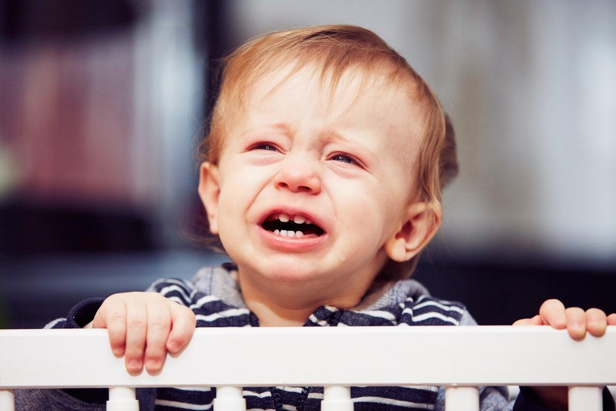 bébé pleure bar berceau angoisse sommeil ferbérisation méthode stérile sommeil enfant