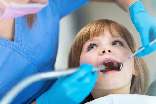 Claves para elegir al mejor dentista para tu hijo