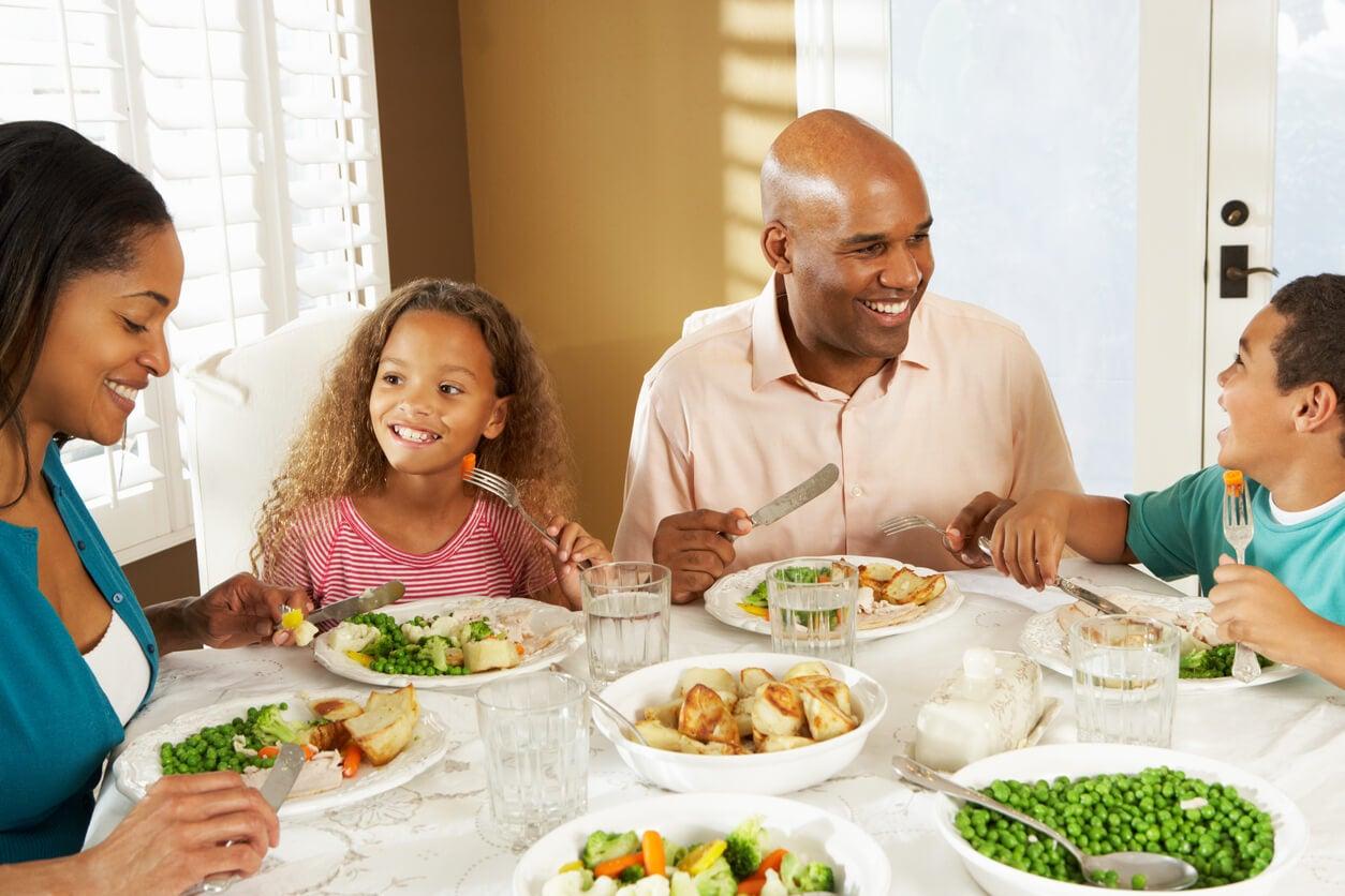 Cómo fomentar hábitos alimentarios saludables en los niños